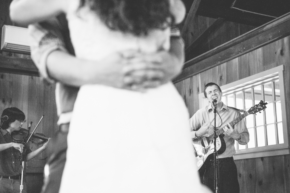 JASMINE_TARA_PHOTOGRAPHY_APPLE_ORCHARD_QUONQUONT_FARM_DESTINATION_WEDDING_-83