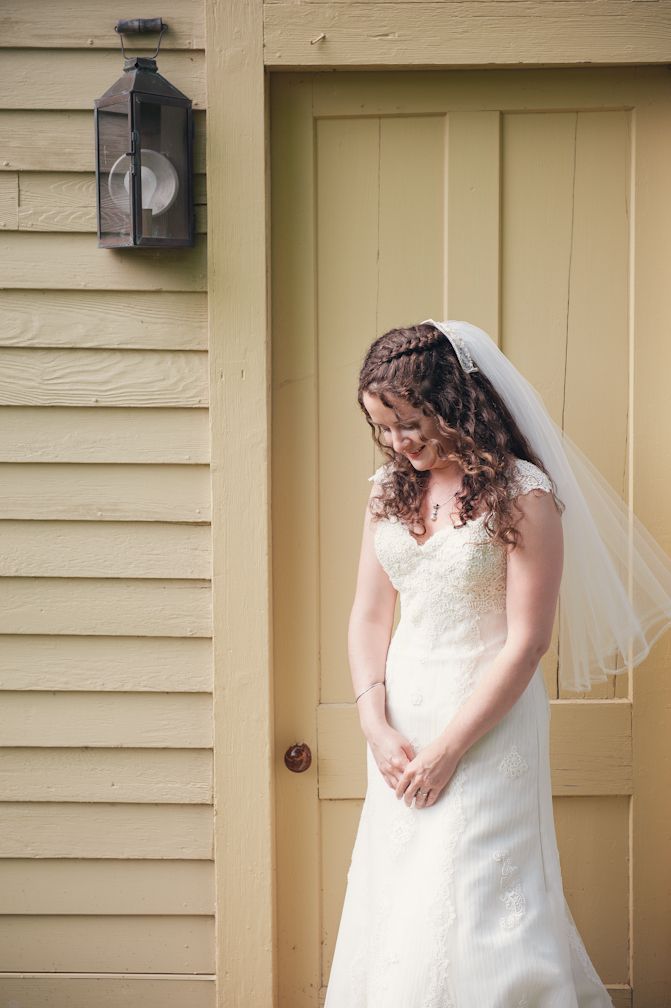 JASMINE_TARA_PHOTOGRAPHY_APPLE_ORCHARD_QUONQUONT_FARM_DESTINATION_WEDDING_JASMINE_BALGOBIN-24