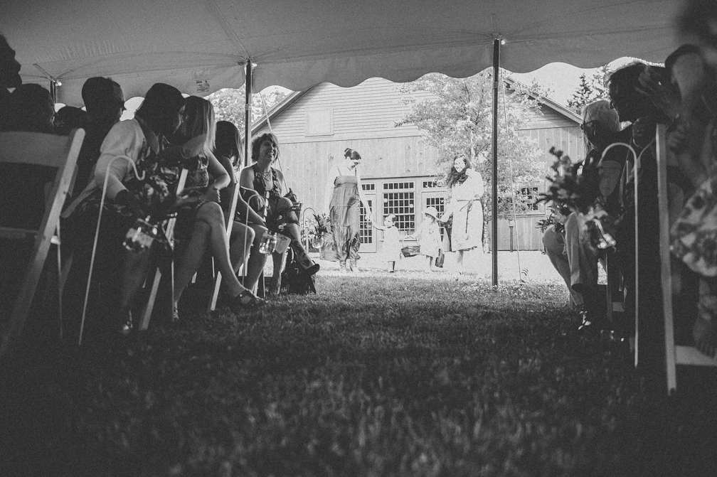 JASMINE_TARA_PHOTOGRAPHY_APPLE_ORCHARD_QUONQUONT_FARM_DESTINATION_WEDDING_JASMINE_BALGOBIN-31