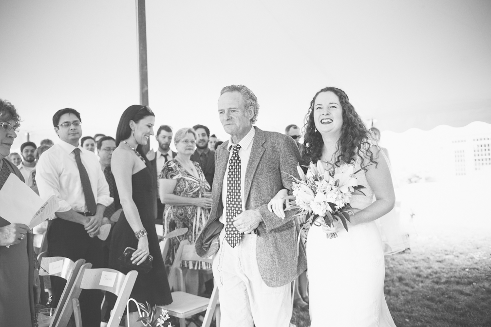 JASMINE_TARA_PHOTOGRAPHY_APPLE_ORCHARD_QUONQUONT_FARM_DESTINATION_WEDDING_JASMINE_BALGOBIN-32
