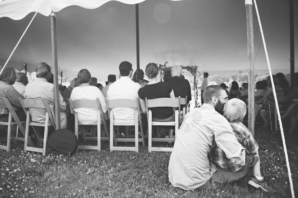 JASMINE_TARA_PHOTOGRAPHY_APPLE_ORCHARD_QUONQUONT_FARM_DESTINATION_WEDDING_JASMINE_BALGOBIN-41