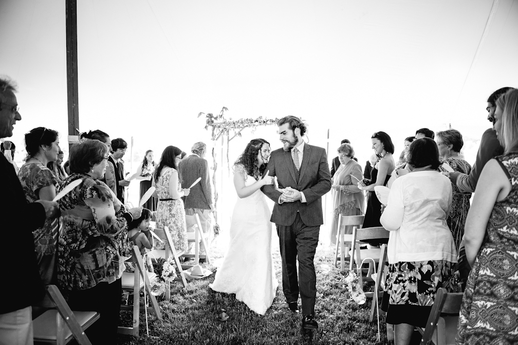 JASMINE_TARA_PHOTOGRAPHY_APPLE_ORCHARD_QUONQUONT_FARM_DESTINATION_WEDDING_JASMINE_BALGOBIN-51