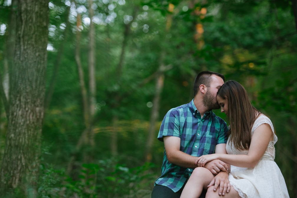 JASMINE_TARA_PHOTOGRAPHY_CONNECTICUT_ENGAGEMENT_CREATIVE_PHOTOGRAPHY_LAKE_ARTISTIC_-28