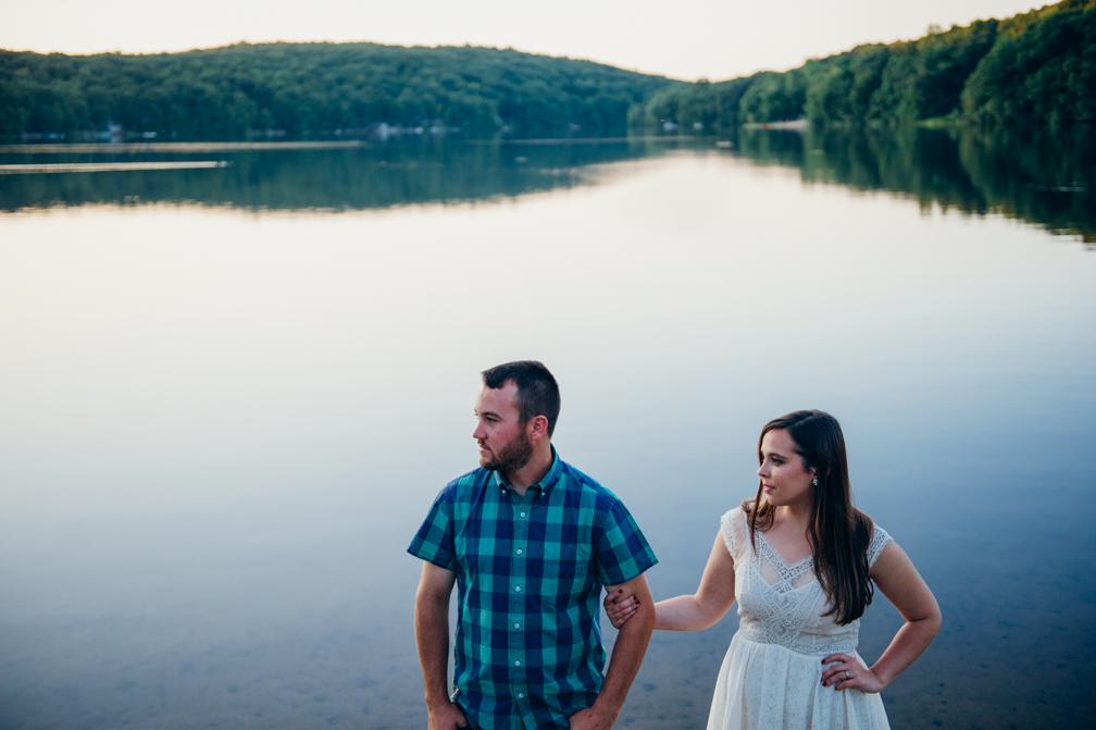 JASMINE_TARA_PHOTOGRAPHY_CONNECTICUT_ENGAGEMENT_CREATIVE_PHOTOGRAPHY_LAKE_ARTISTIC_-33