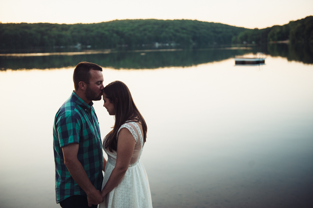 JASMINE_TARA_PHOTOGRAPHY_CONNECTICUT_ENGAGEMENT_CREATIVE_PHOTOGRAPHY_LAKE_ARTISTIC_-35