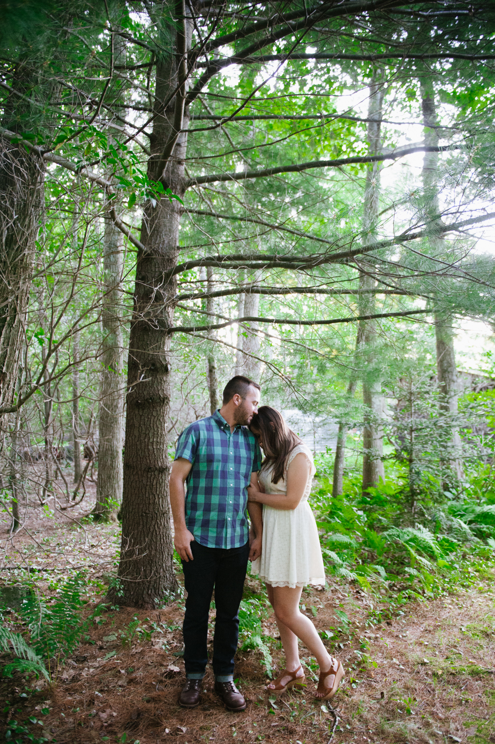 JASMINE_TARA_PHOTOGRAPHY_CONNECTICUT_ENGAGEMENT_CREATIVE_PHOTOGRAPHY_LAKE_ARTISTIC_-64
